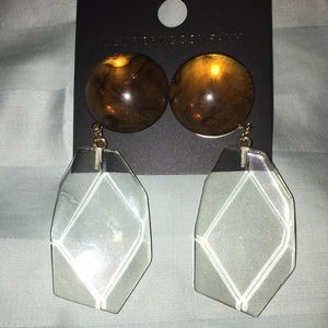 New York and Company Resin Drop Earrings in Amber